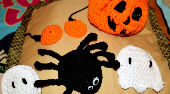 Thursday Treats – Crocheted Halloween Decorations