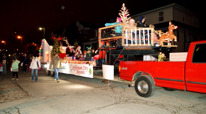 Silent Sunday – Jefferson City Jaycees Christmas Parade